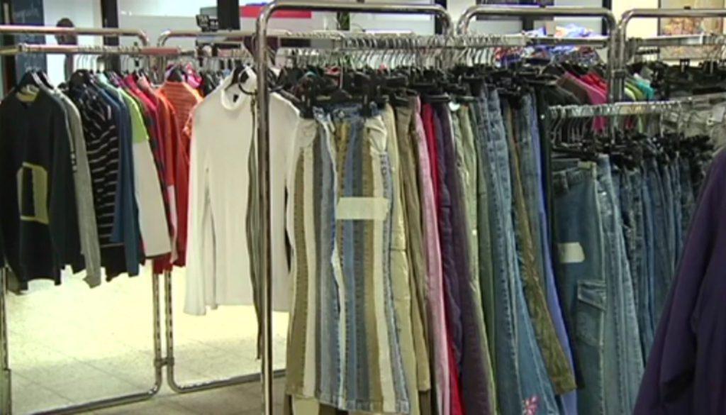 Weiterverkauf von Kleiderspenden?