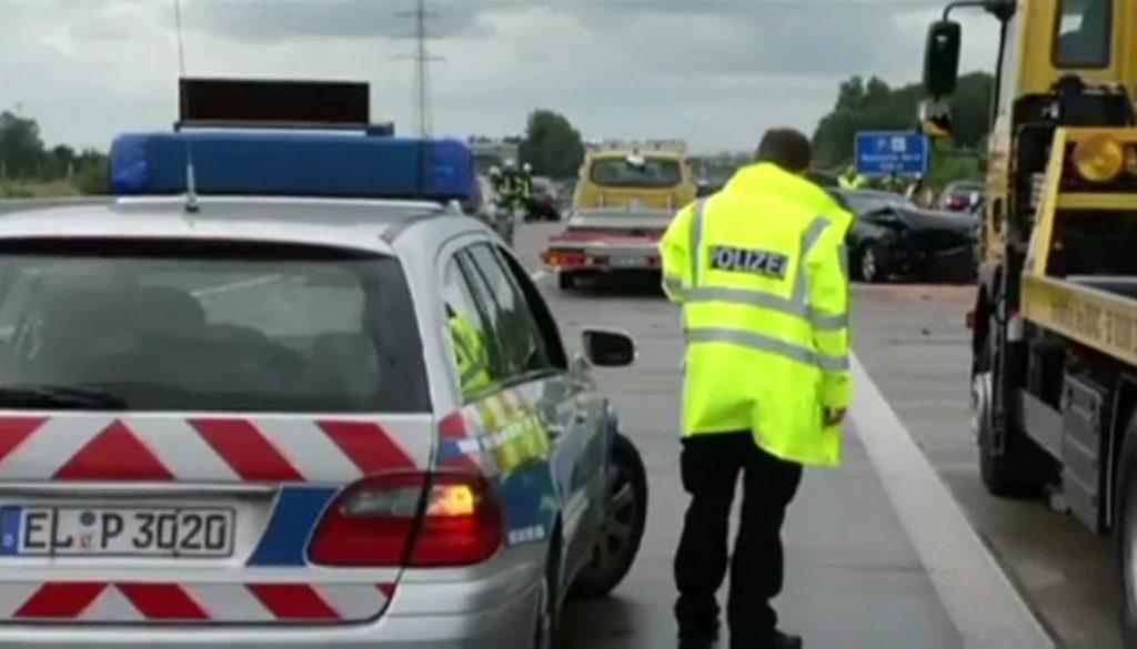 Zwei Verletzte bei Unfall auf der A30