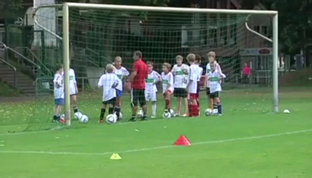 Sparkassen-Fußballschule zu Gast in Meppen