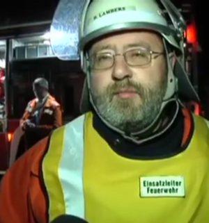 Feuerwehr löscht Wohnungsbrand in Freren