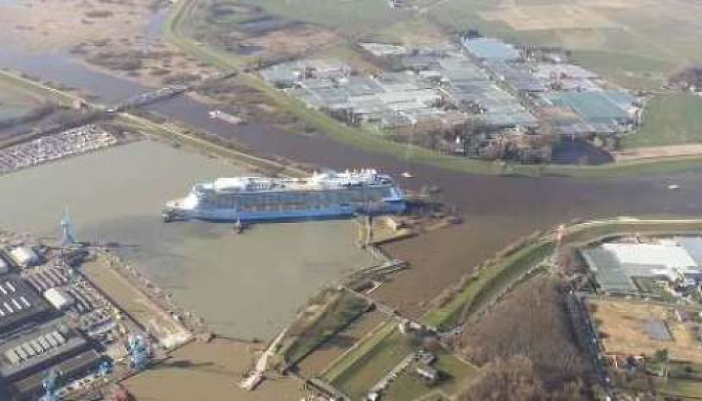 Luxusliner verläßt Papenburg - Anthem of the Seas wird überführt