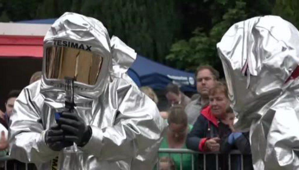 """Rettungskräfte stellen sich vor beim """"Tag der Blaulichter"""" in Emlichheim"""