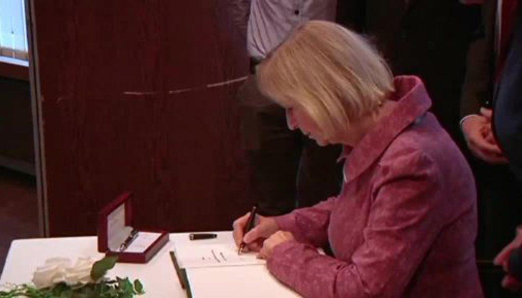 Bundesbildungsministerin informiert in Lathen über Digitalpakt