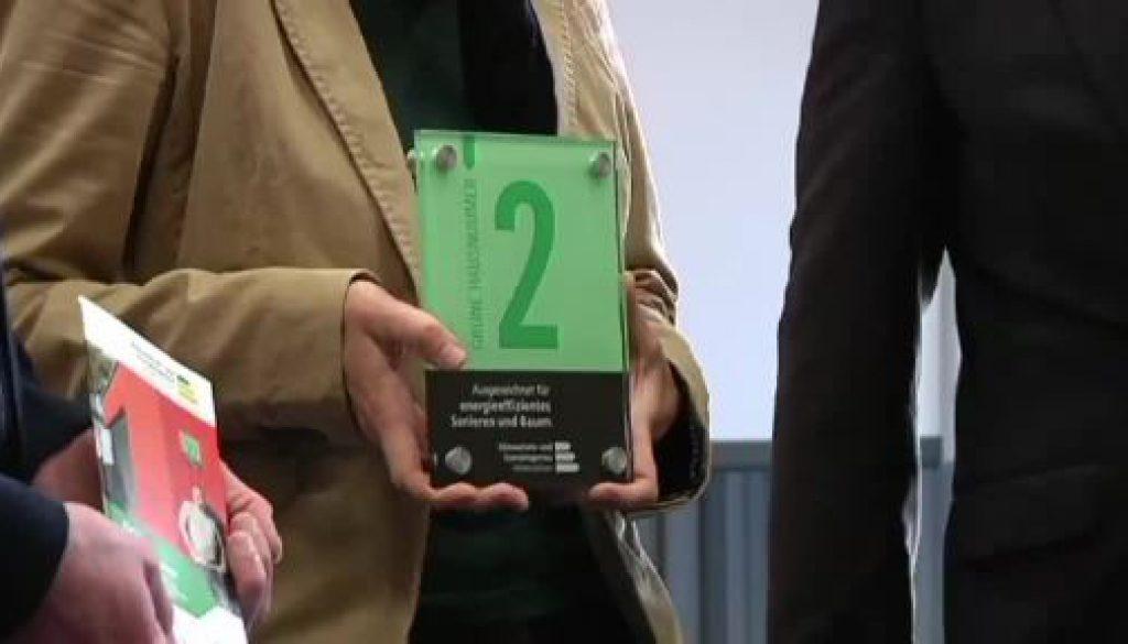 """Grafschafter Kreisverwaltung verleiht """"Grüne Hausnummern"""""""