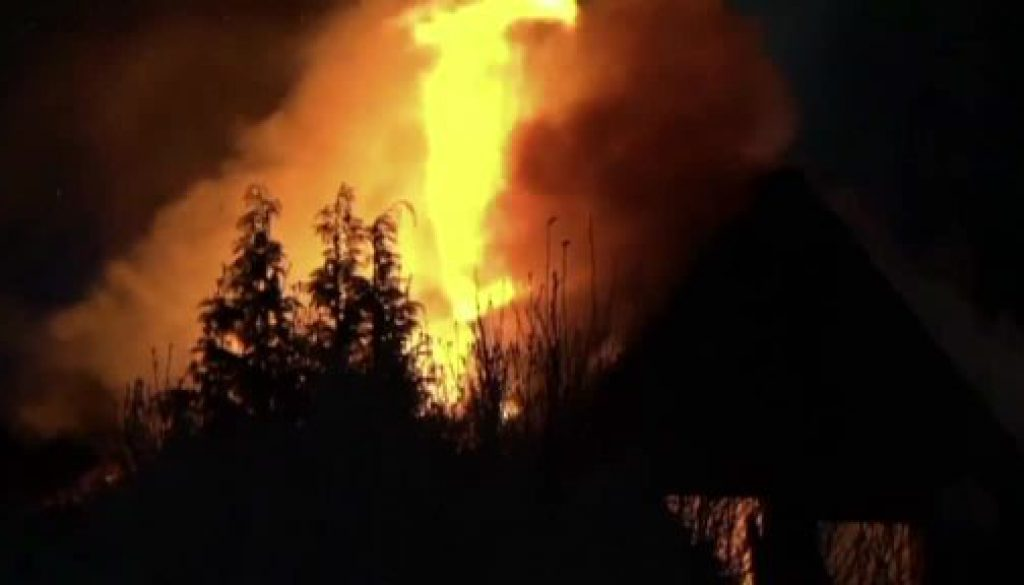 Doppelhaushälfte brennt in Veldhausen