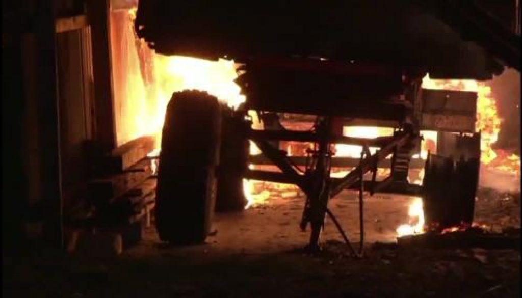 Feuerwehreinsatz nach Scheunenbrand in Lorup