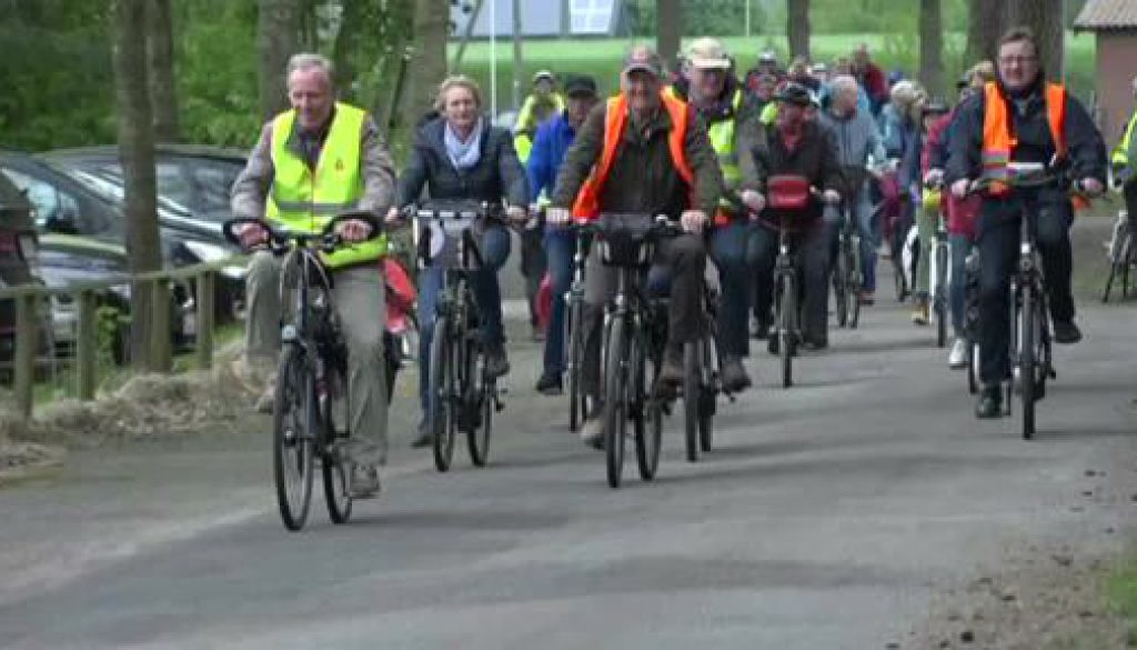 Anradeln im Emsland - Über 1000 Radfahrer machen mit