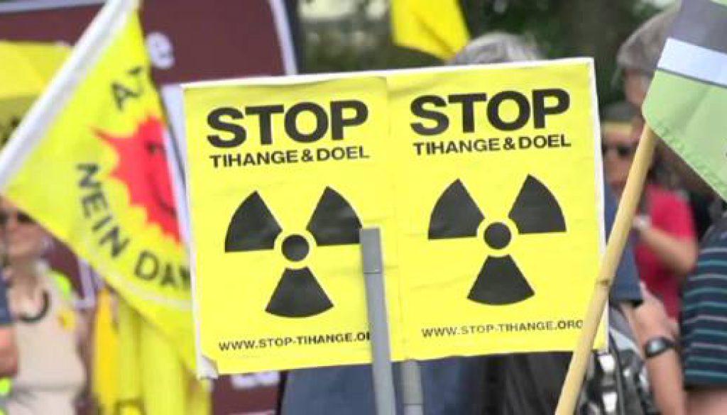 Hunderte Atomkraftgegner demonstrieren in Lingen