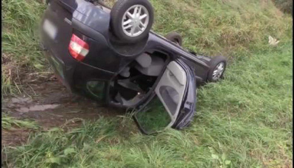 Auto überschlägt sich in Geeste-Dalum und landet im Graben