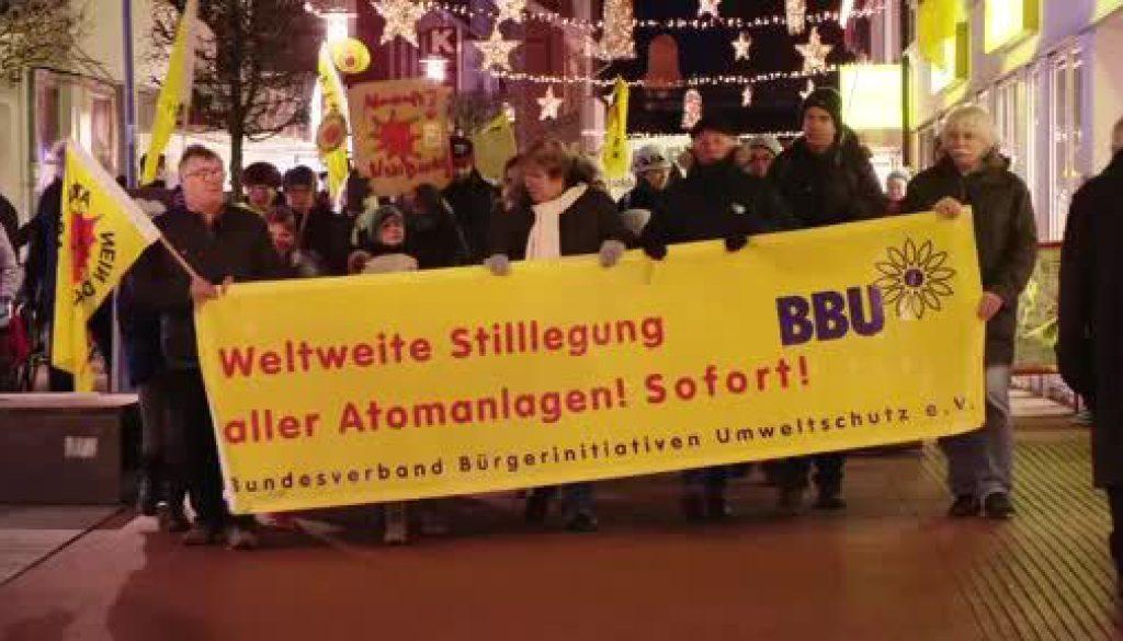 Rund 100 Menschen demonstrieren in Lingen gegen ANF