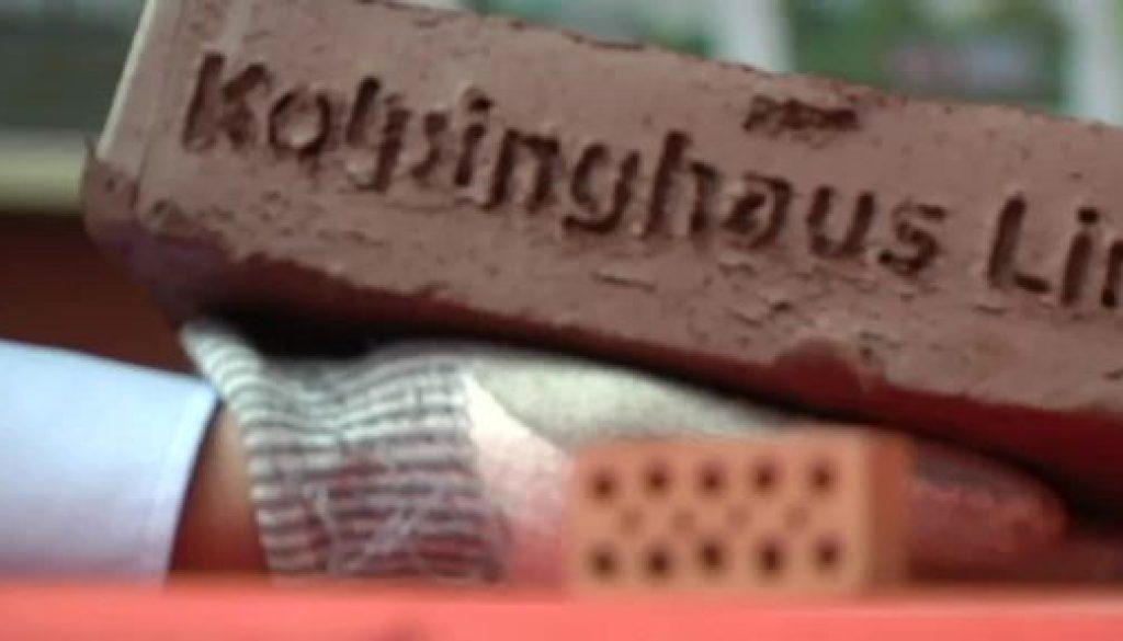 Ziegelsteinaktion: Steine tragen Namen der Spender