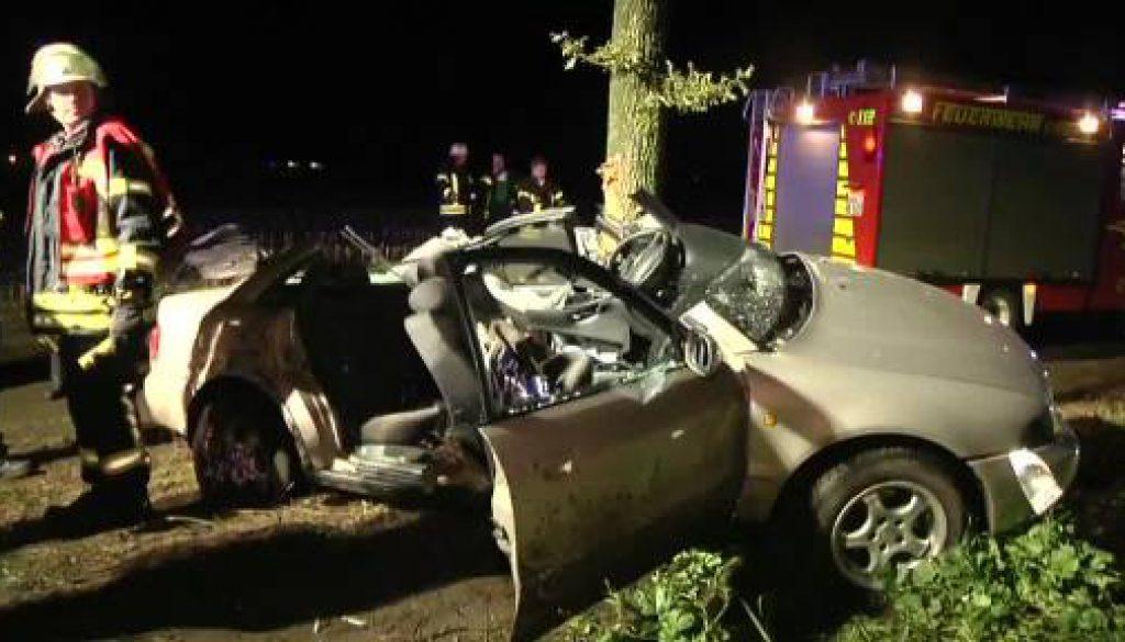 Autofahrer in Neuenhaus lebensgefährlich verletzt