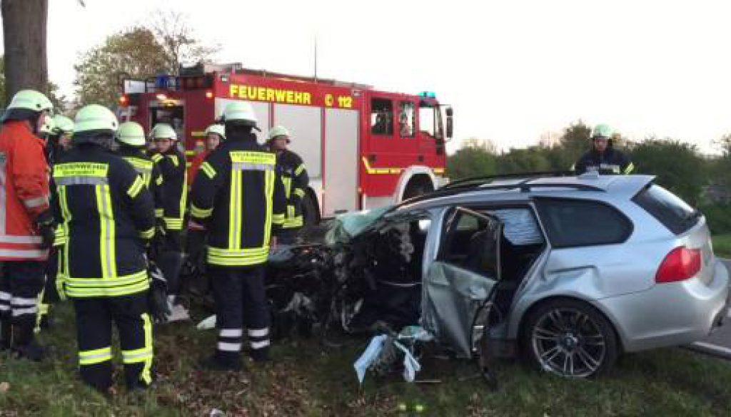 Autofahrer schwebt nach Unfall in Lebensgefahr