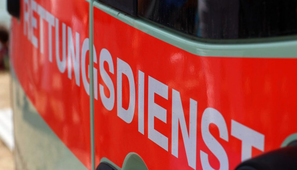 emergency-medical-services-3573836_1920