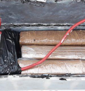In einer Autobatterie verbaute Kokain-Päckchen / Foto: Bundespolizei