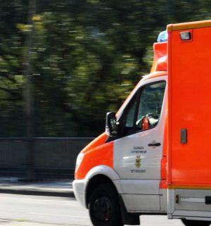 Fussgaengerin nach Verkehrsunfall verstorben