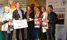 Spendenübergabe AK gg sexuellen Missbrauch