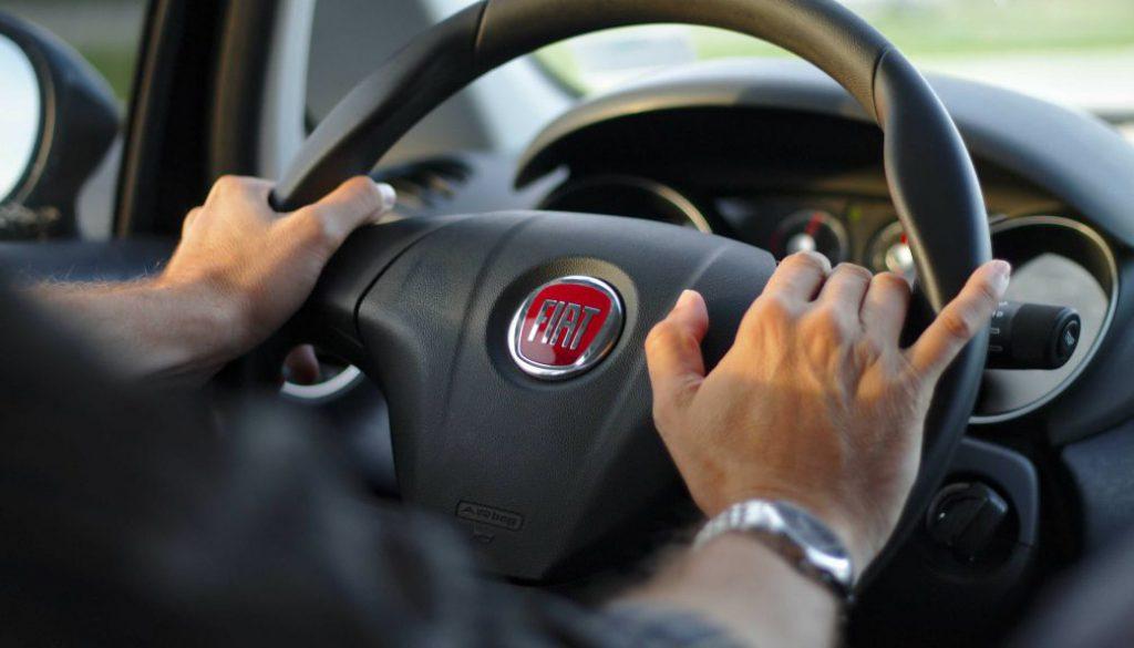 driving-343056_1920