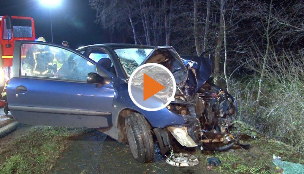 Screen_Autofahrer nach Unfall in Lebensgefahr