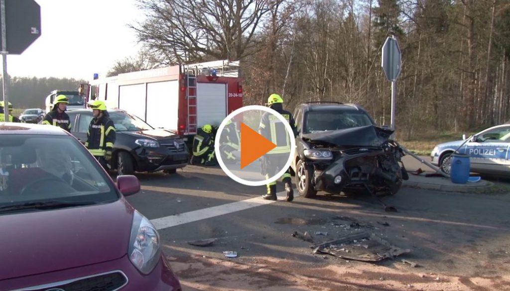 Screen_Kreuzungsunfall mit drei Verletzten