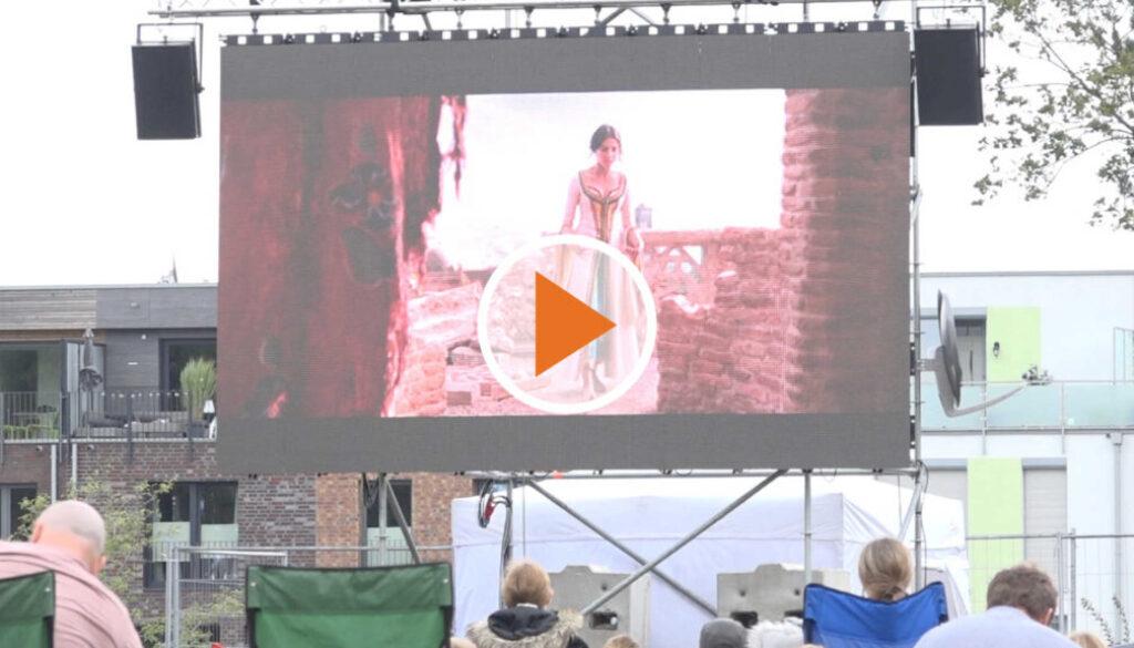 screen_Freiluft Kino lockte dutzende Zuschauer an