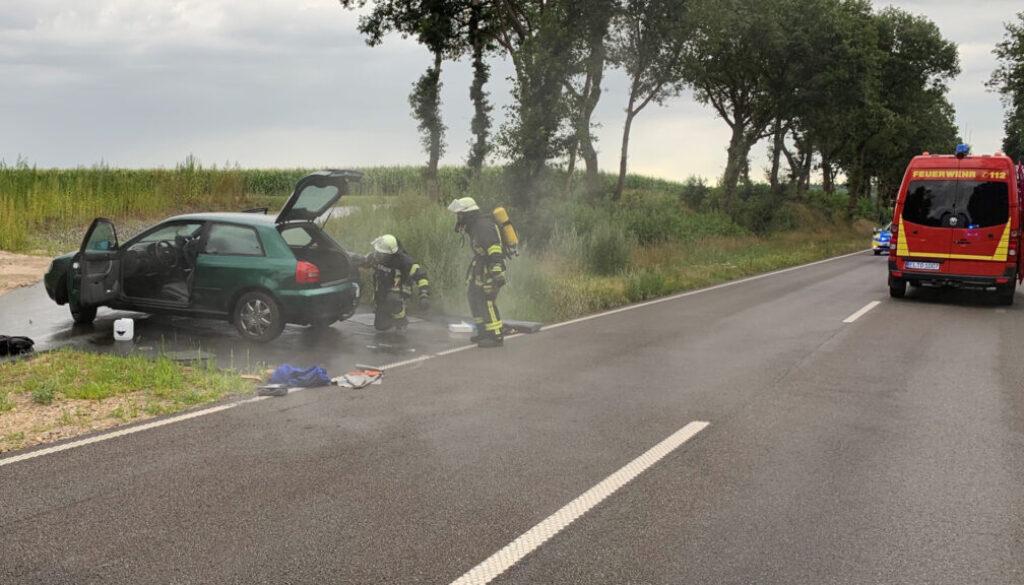 screen_Salzsäure ausgelaufen - Autofahrer erlitt Atembeschwerden