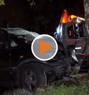 Screen_Verkehrsunfall Fahrerin stirbt Mehrere Kinder in Lebensgefahr