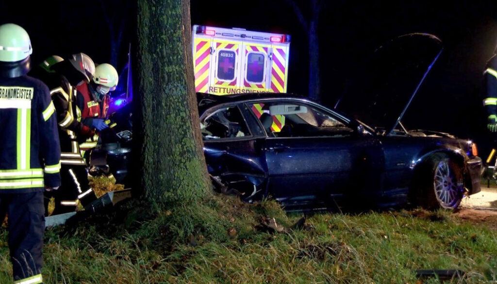Screen_21 Jaehriger stirbt nach schwerem Verkehrsunfall