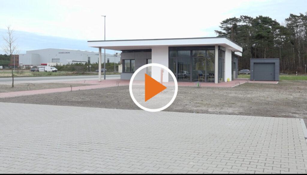 Screen_Hafenbetriebsgebaeude offiziell in Betrieb