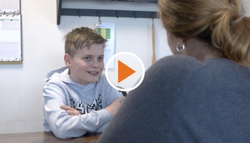 Screen_10 Jaehriger zeigt großes Herz