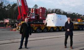 Screen_21 03 09 Tonnenschwere Getriebe im Hafen Spelle-Venhaus