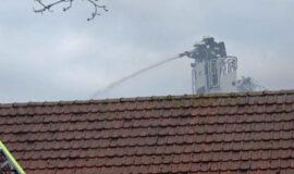 Screen_21 04 18 200 Tiere verbrennen bei Brand in Ferkelstall