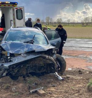 screen_Zwei Verletzte bei schwerem Verkehrsunfall