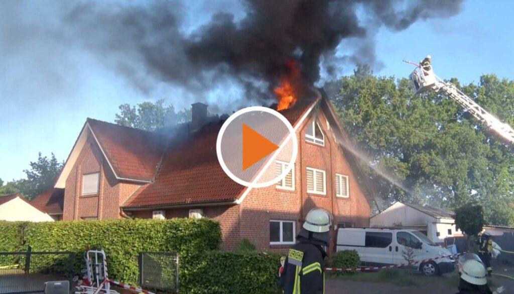 Screen_Haus steht in Flammen