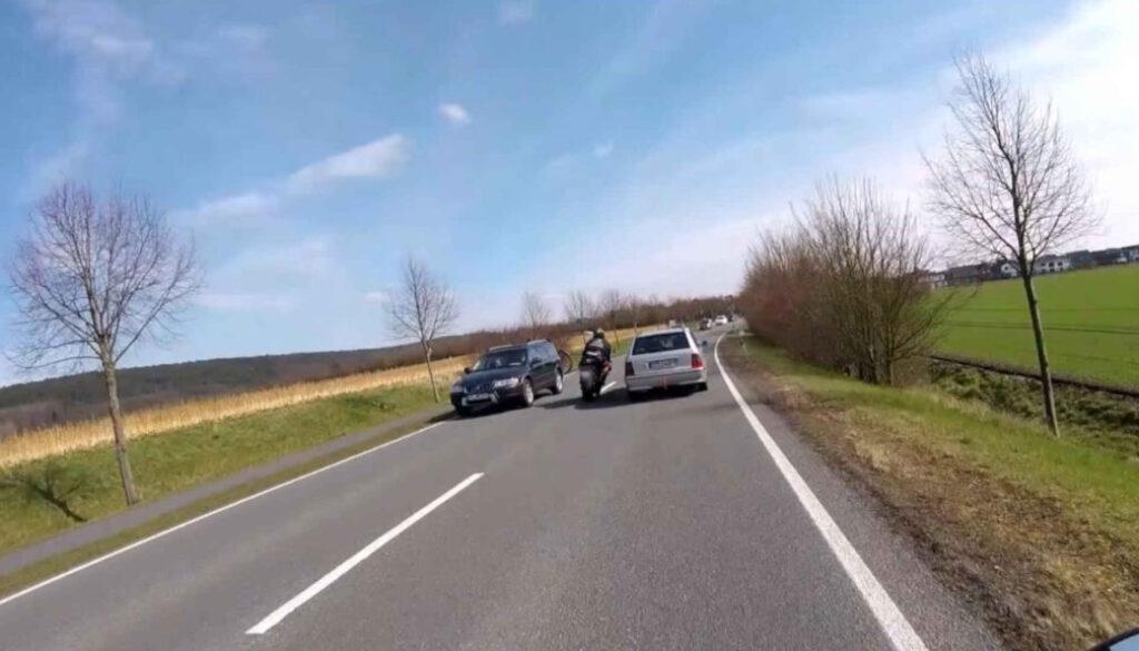 Screen_21 07 16 Grossermittlung gegen Motorradgruppe